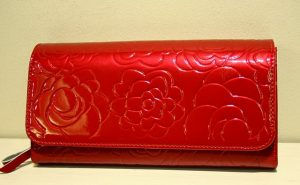 Piros lakk pénztárca